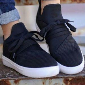 Steve Madden Tie Textured Lancer Black Sneakers